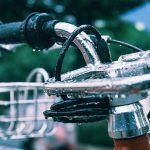 雨に濡れた自転車