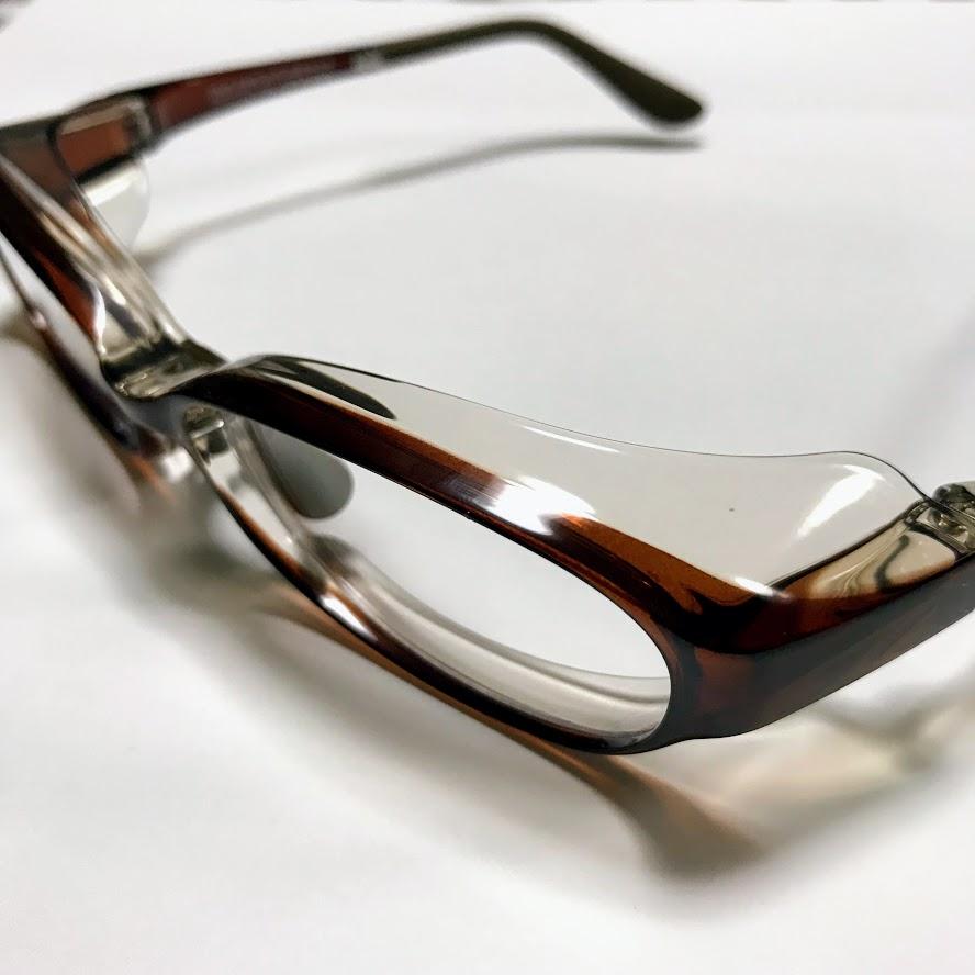 【レビュー】Zoffの花粉症対策メガネはフィット感調整可能でくもりどめレンズ使用のアイキャッチ画像